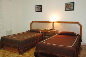 lamar inn business type room
