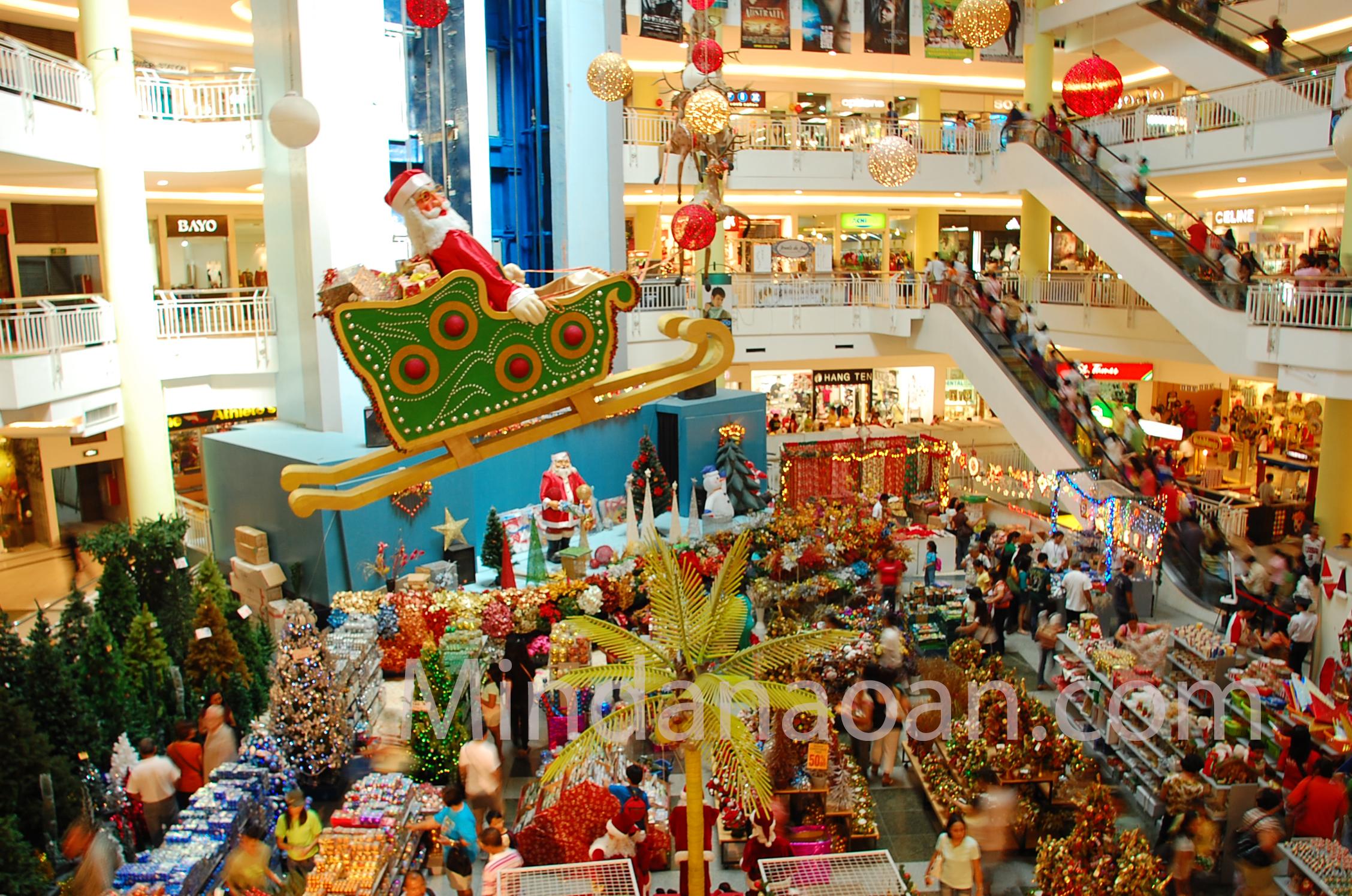Busy Christmas Shoppers Flock To Gaisano Mall Davao