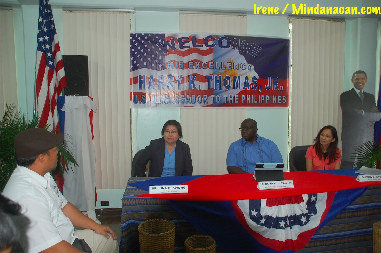 US Ambassador Harry Thomas, Jr. meets with Mindanaoan youth leaders