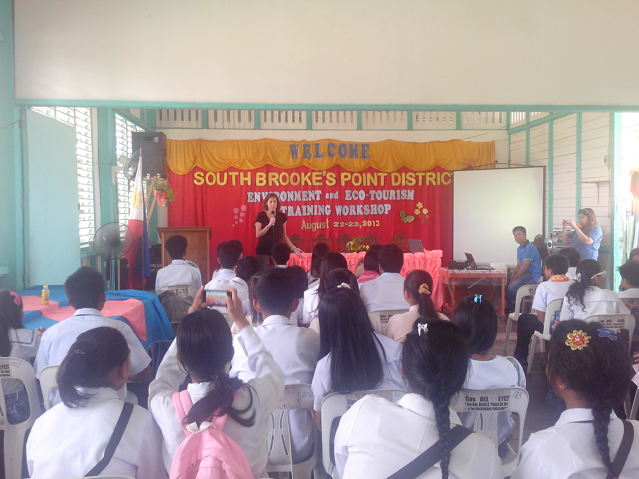 Speaking about social media in a US Embassy event in Palawan