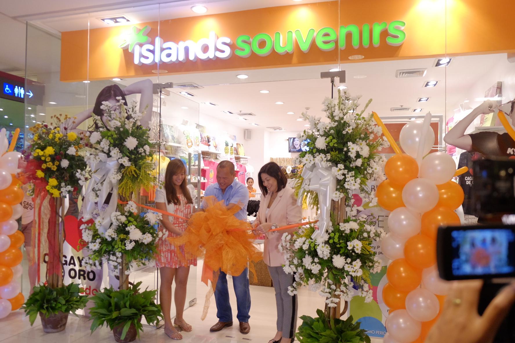Islands Souvenirs CDO holds fashion show, introduces brand ambassadors