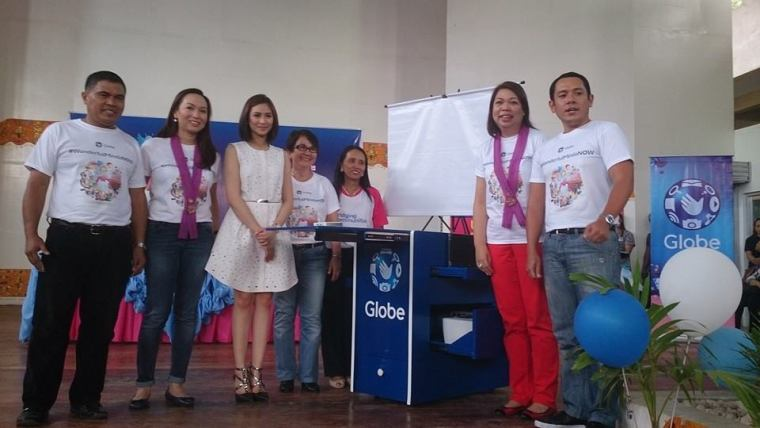 Globe donates first mobile laboratory package to CDO public school