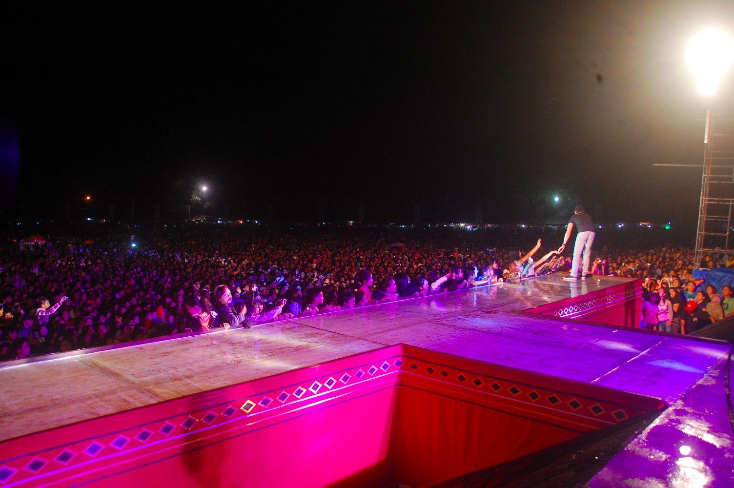 PHOTOS: Kapuso celebrities during Kaamulan Festival 2014 in Bukidnon