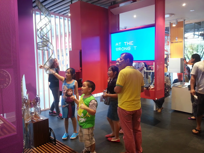 A tour of Globe Telecom's Gen3 Store at Limketkai CDO