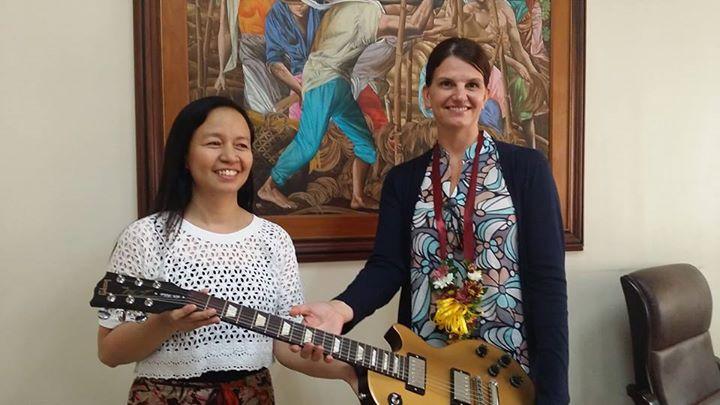 US Embassy Manila donates Gibbons guitar to Liceo de Cagayan