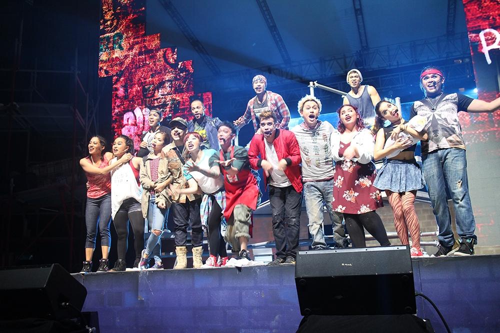 "Manila debut of ""American Idiot"" : Rowdy Visual Candy #Globe9WTAmericanIdiot"