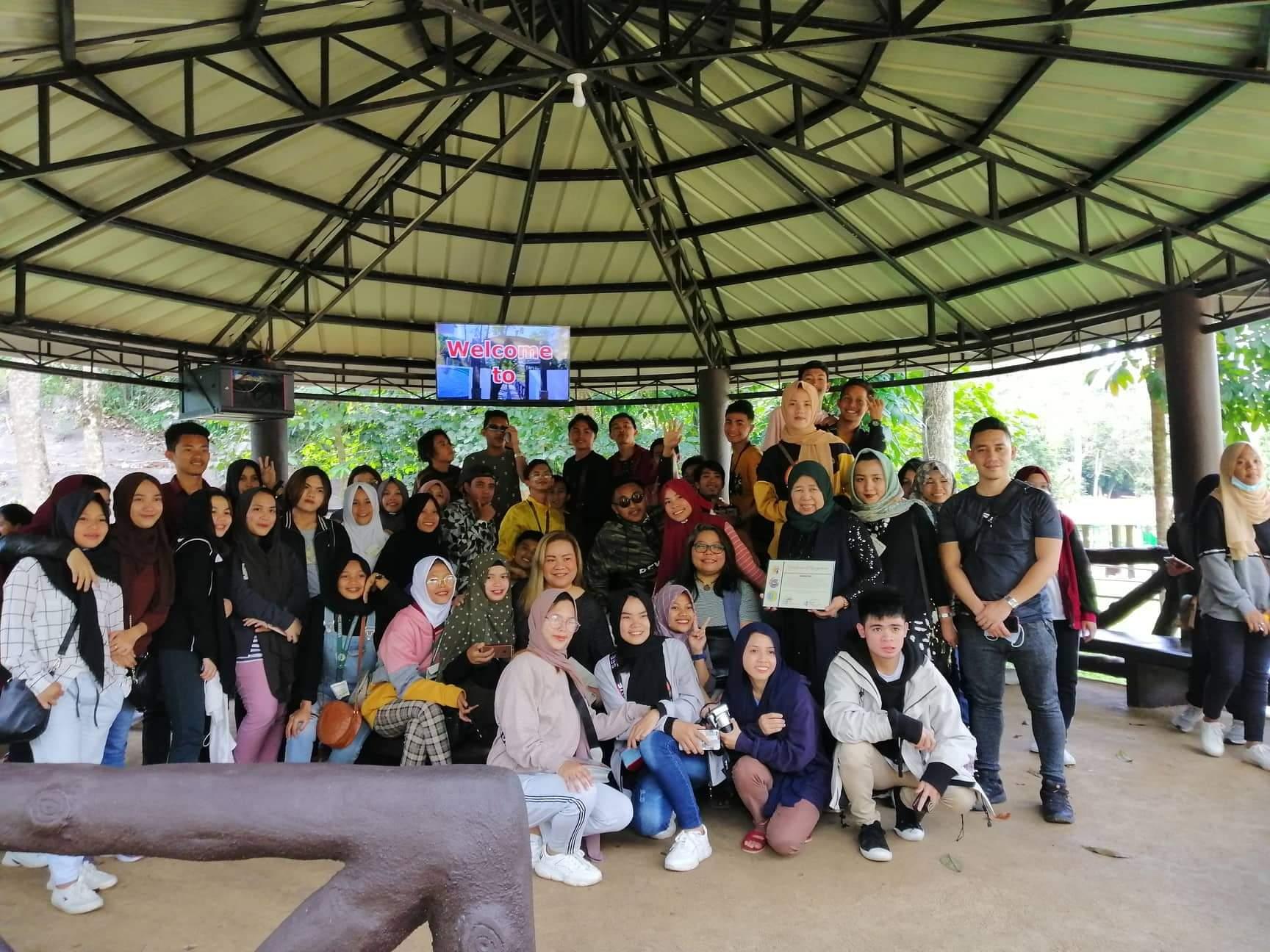 Spreading peace through social media (The day I spoke before Marawi kids)